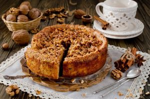 Vegane Apfel-Walnuss-Torte