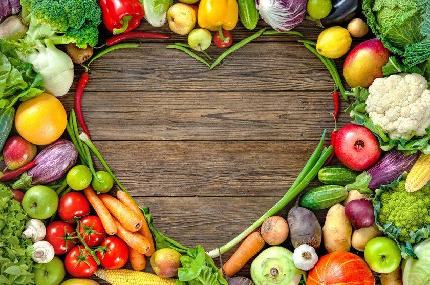 Gemüse-Obst Salat mit Kokosöl und Kokosblütensirup