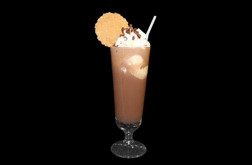 Eisschokolade mit Kokosöl, Maca und Kurkuma