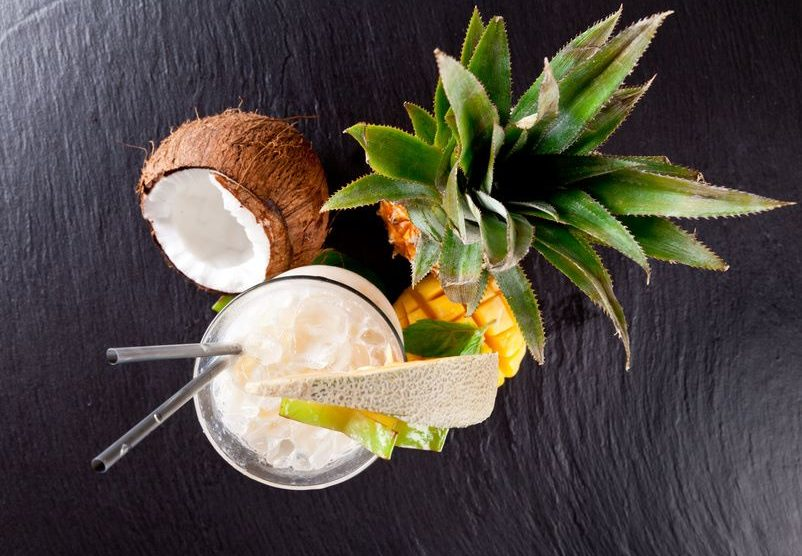 Tropischer Kokoscocktail